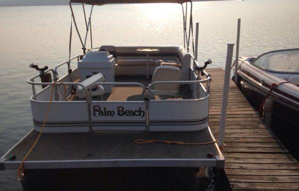 Palm Beach 18 Foot Pontoon Boat